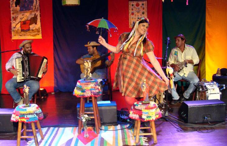 Foto de release do Show Cantos e Contos de São João
