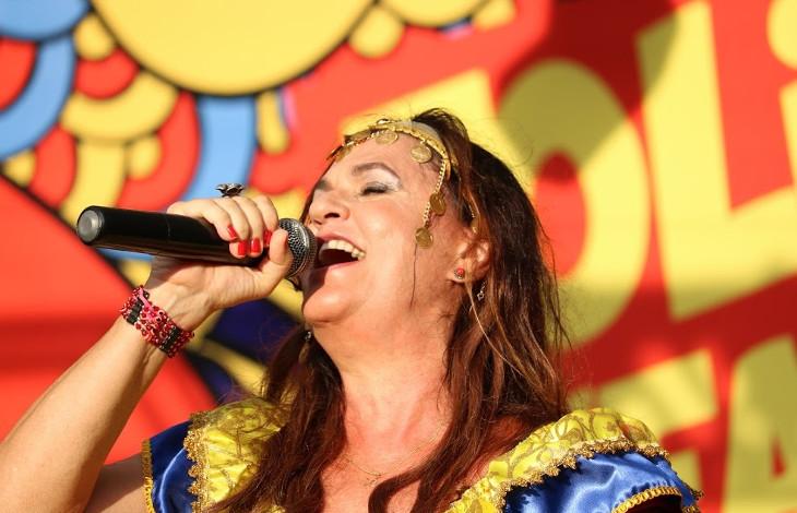 Foto de release do Show Carnaval com Bia Bedran